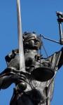 Justitia - blind, mit Schwert und der Waage. (c) HHS / pixelio.de
